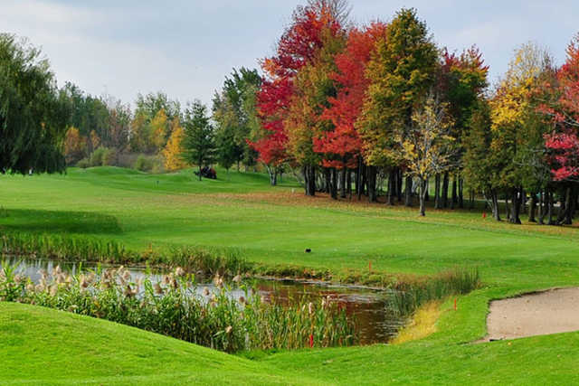 triangle d 39 or st remi quebec golf course information and reviews. Black Bedroom Furniture Sets. Home Design Ideas